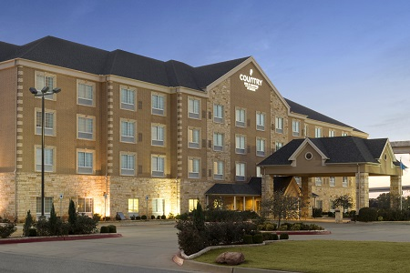 Exterior of the Country Inn & Suites, Oklahoma City - Quail Springs, OK
