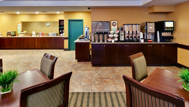 Dining area and breakfast spread in Niagara Falls