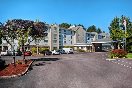 Lodging & Accommodations close by Portland International Airport (PDX)