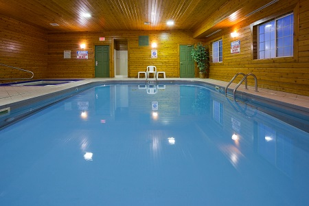 Hotel with indoor pool in Watertown