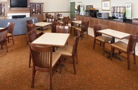 Breakfast room at Goodlettsville hotel with flat-panel TV