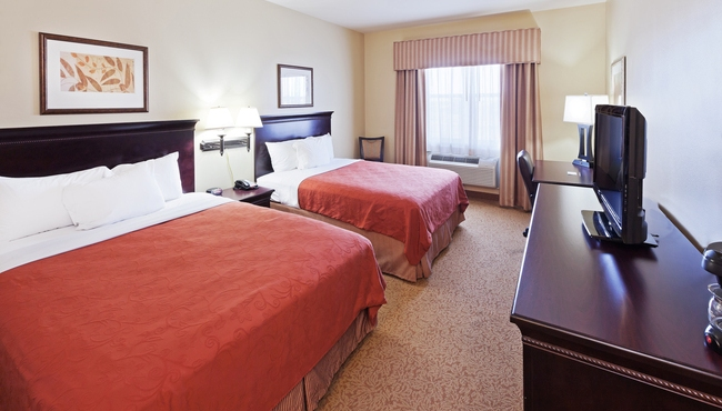 hotel rooms in midland tx country inn suites rooms rh countryinns com