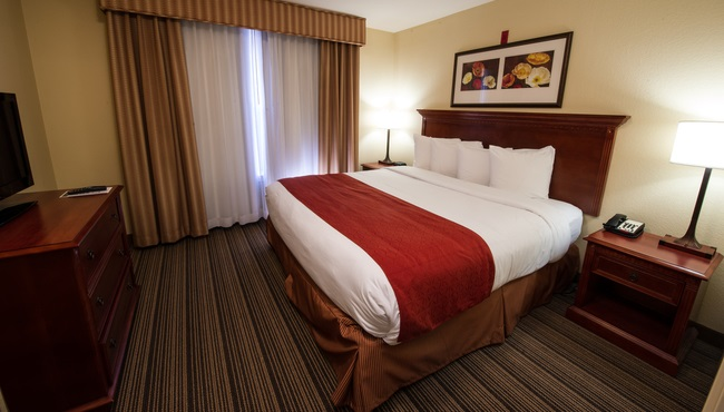 Fort Worth Stockyards Hotel Rooms Country Inn Amp Suites