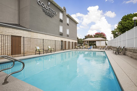 Hotel's outdoor pool in Austin area