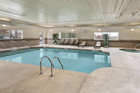 Pool at the Country Inn & Suites, Buffalo South, NY