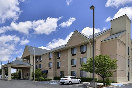 Exterior Of Country Inn Suites Brownwood Tx