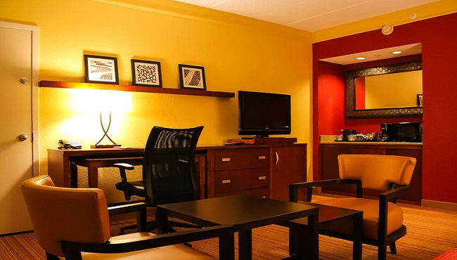 Work at the In-suite Desk