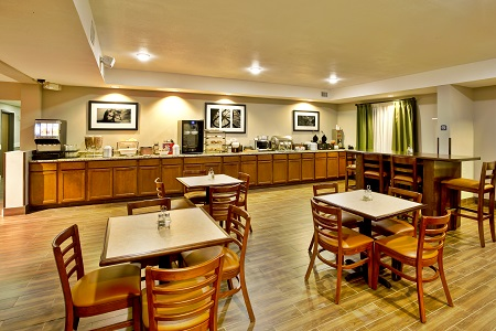 Breakfast Room At The Country Inn Suites Monroeville