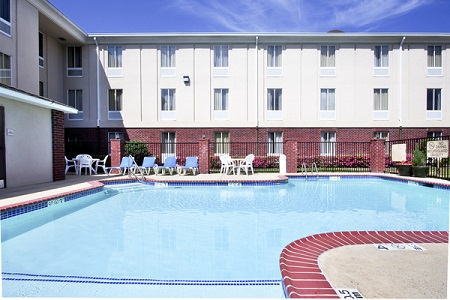 Ruston hotel's outdoor pool
