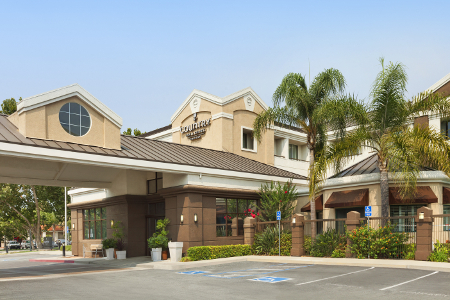 Hotel Exterior Of The Country Inn Suites San Jose International Airport