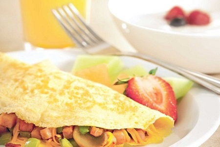 Omelet and fresh fruit
