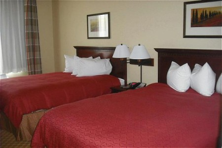 Emporia Hotel Rooms with Two Queen Beds