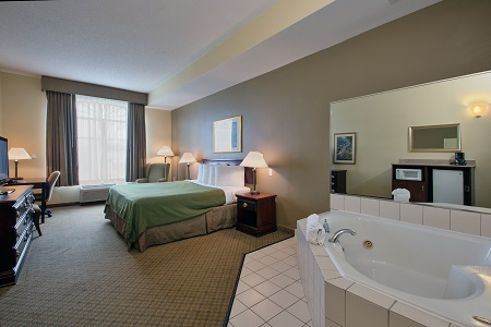 Whirlpool Suite with king bed
