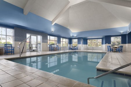 Williamsburg hotel's indoor pool
