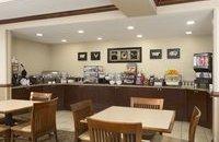 Woodbridge dining area with complimentary breakfast