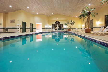 Indoor pool at the Country Inn & Suites, Appleton