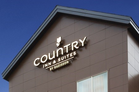 Country Inn & Suites hotel exterior