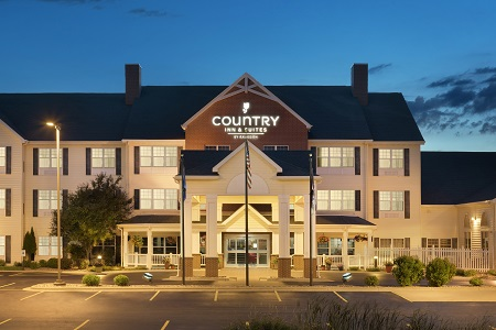 Country Inn & Suites, Appleton North hotel exterior