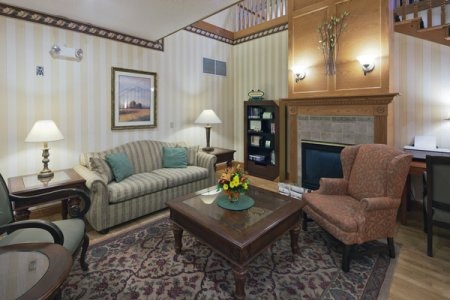 Inviting Prairie du Chien Hotel Lobby with Fireplace