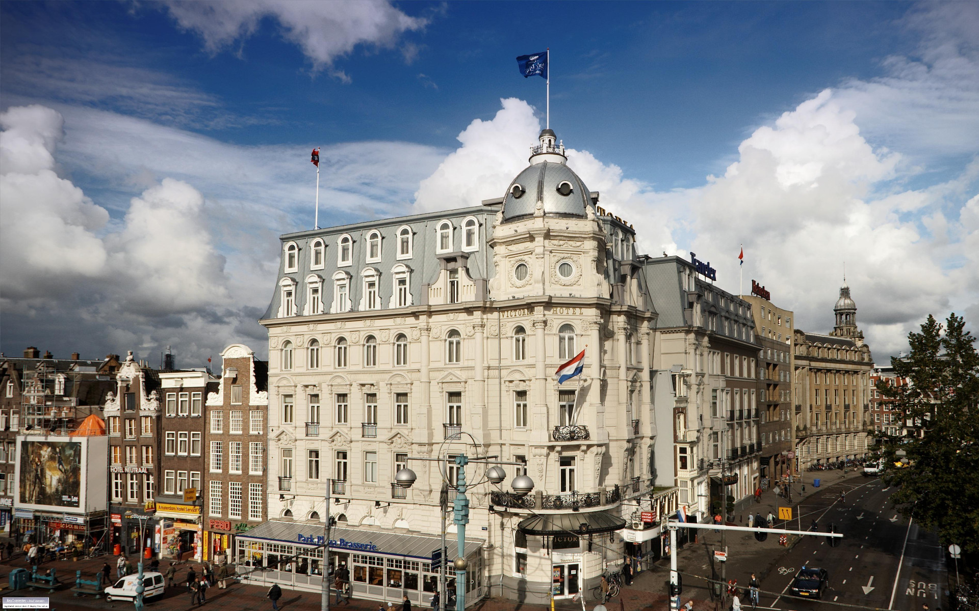 Hotel near amsterdam central station park plaza victoria for Amsterdam hotel centro