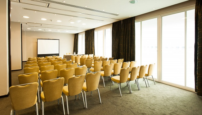 Event space with natural lighting in Cardiff
