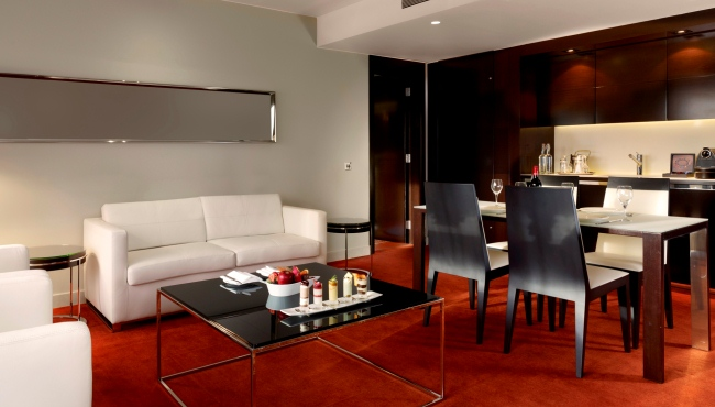 One-bedroom suite dining area