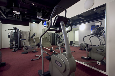hotels berlin with fitness centre park plaza fitness facilities. Black Bedroom Furniture Sets. Home Design Ideas