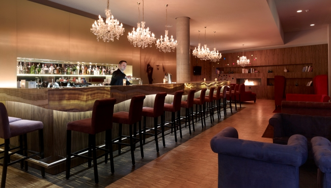 Berlin boutique hotel bar seating