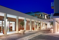 Shopping avenue at our Pula resort on the Istrian peninsula