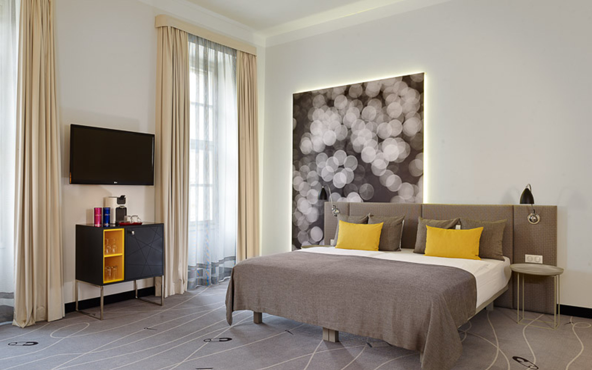 Hotels in budapest overlooking the danube art 39 otel budapest for A for art design hotel