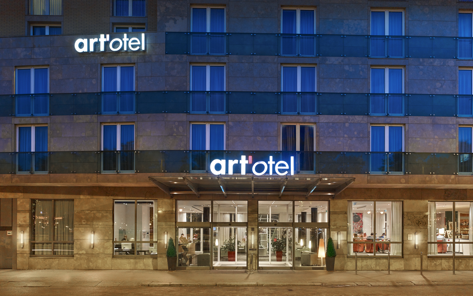 Hotels in budapest overlooking the danube art 39 otel budapest for Hotel budapest