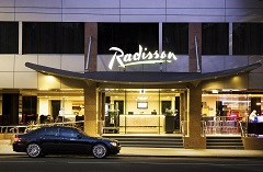 Car in front of Radisson on Flagstaff Gardens