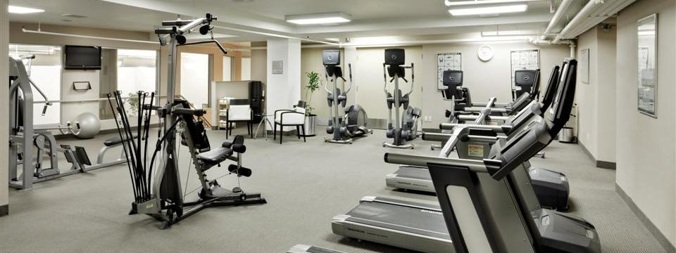Fitness centre with treadmills, stationary bikes and weight machines