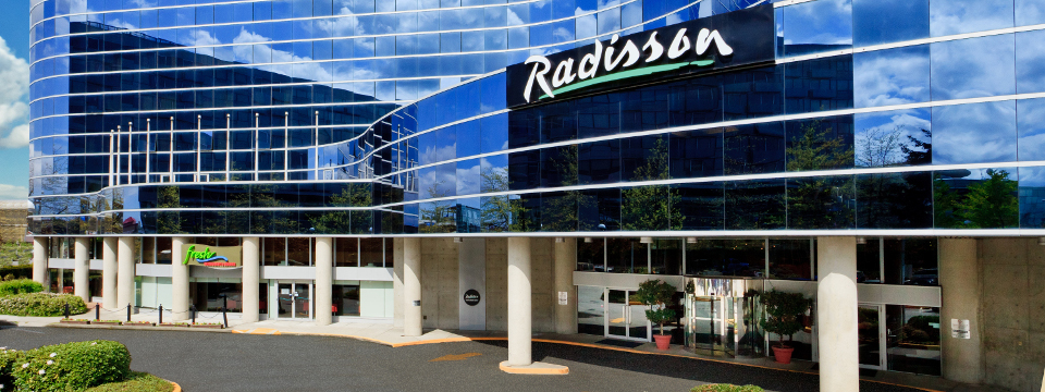 Exterior of the Radisson with reflective glass