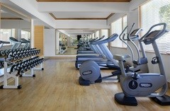 Hotel fitness centre with free weights in Brunei