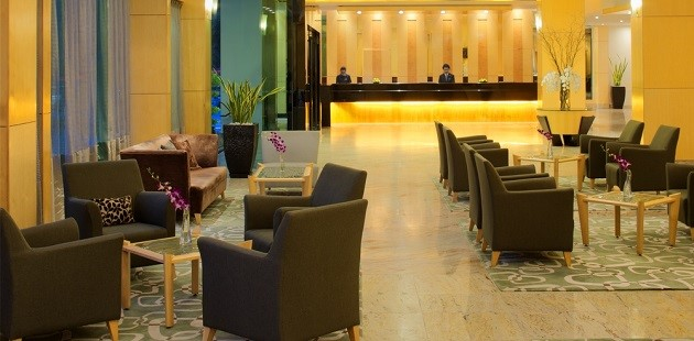 Radisson Hotel Brunei Darussalam Exterior Lobby With Sofas And Chairs