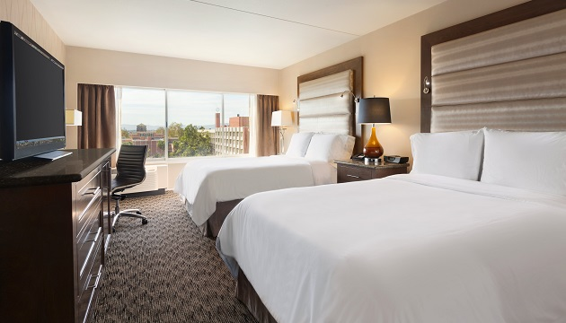 Room with two beds and view at Radisson in Los Angeles