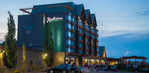 Radisson Hotel & Convention Center Edmonton exterior