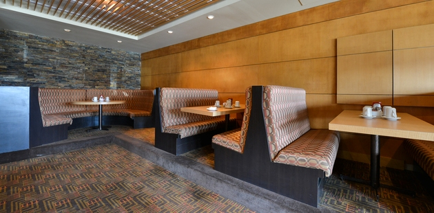 Edmonton hotel restaurant with comfortable booths