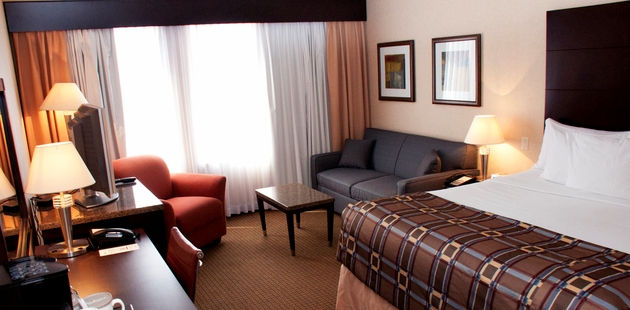 Standard Room with king bed in Red Deer hotel