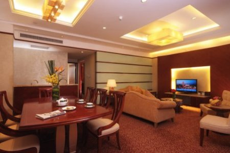 Family Suite Lounge
