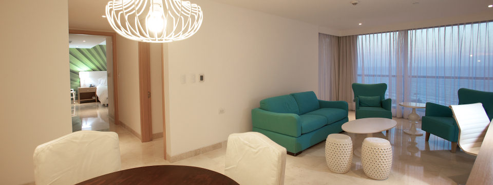 Cartagena hotel suite with living room and dining area