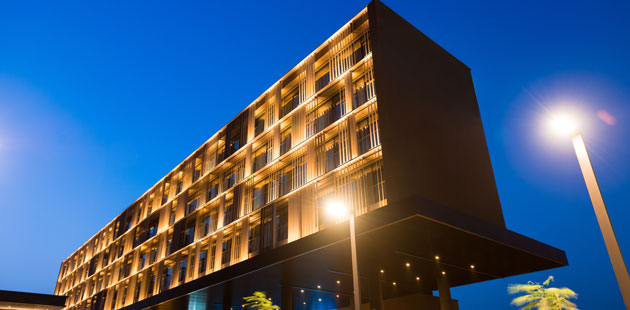 Exterior shot of Radisson Hotel Dakar Diamniado at night