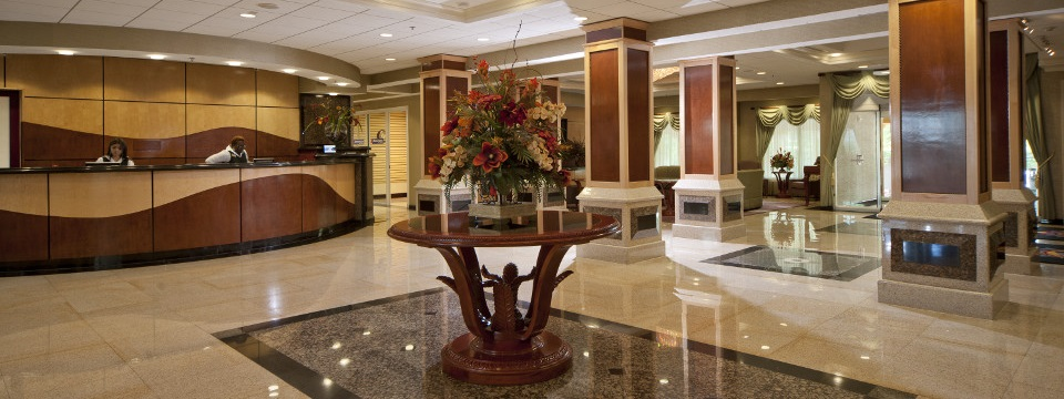 Spacious lobby with large front desk