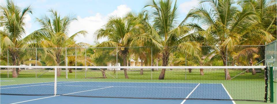 St. George's hotel's tennis court