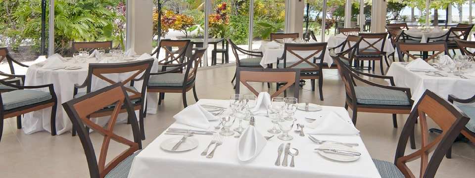 On-site restaurant with natural lighting at St. George's hotel