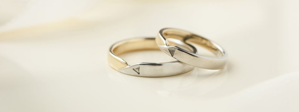Delicate silver wedding bands