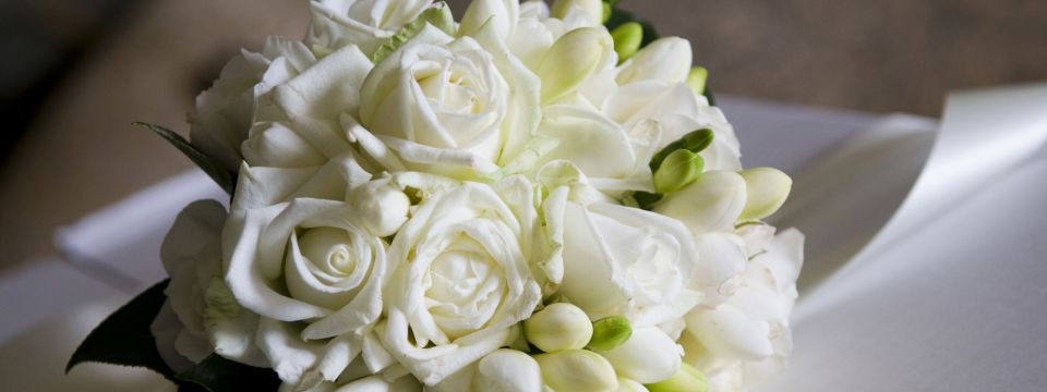Bouquet of white roses in bloom