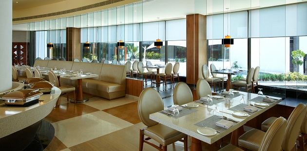 Restaurant with natural lighting and ample seating