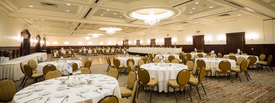 Elegant ballroom space in Cincinnati riverfront hotel
